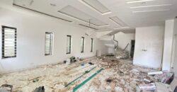 WELL BUILT 5 BEDROOM FULLY DETACHED DUPLEX* –