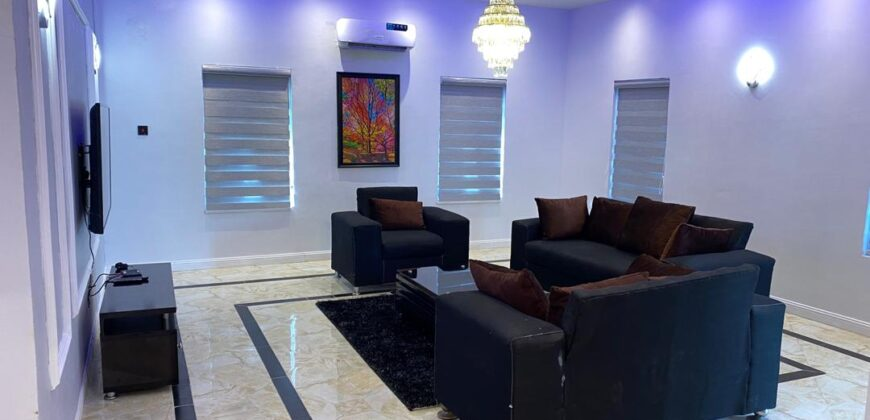 A fully furnished 3 bedroom apartment all en-suite now available