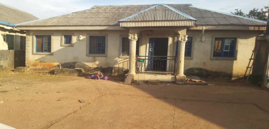 4bedroom boungalow with a big compound in ikorodu ijede
