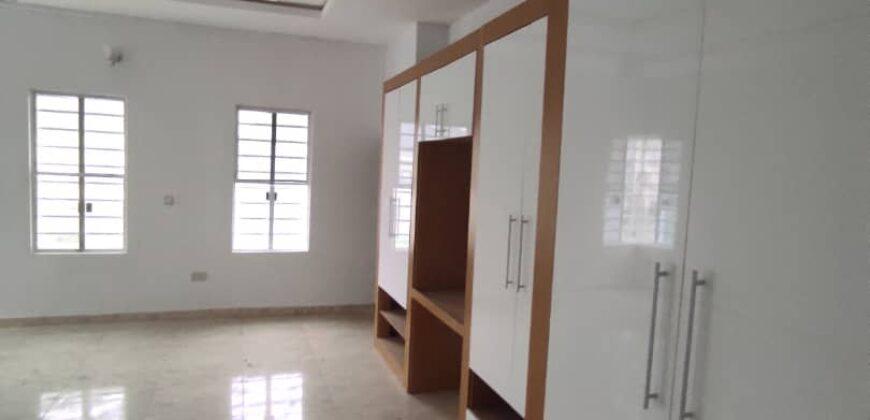 5 bedroom detached duplex ensuite with a bq
