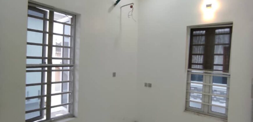 4 bedroom Detached duplex ensuite with a bq