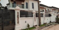 5bedroom detached duplex ensuite with a swimming