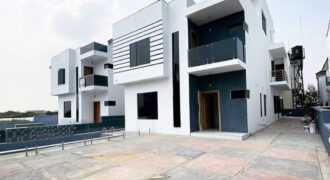 5 Bedroom Detached Duplex With A Swimming Pool