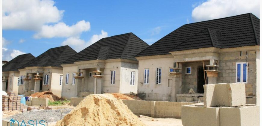 SPECTACULARLY DESIGNED TWO BEDROOM DETACHED BUNGALOW IN OASIS COURT, POKA, EPE