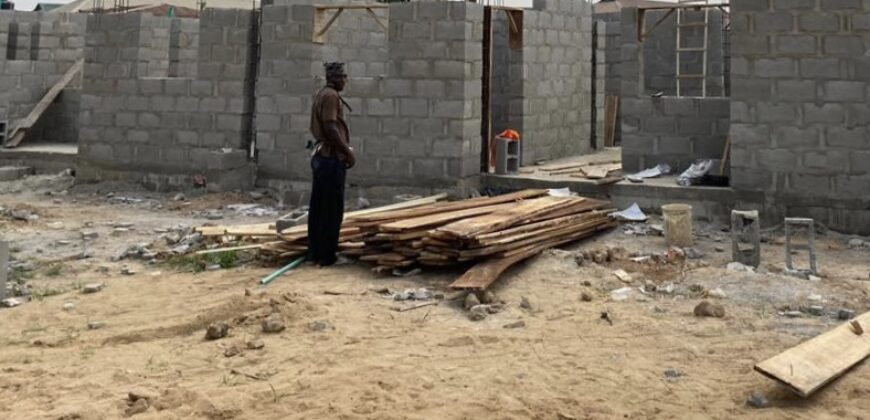 DETAILED NEWLY BUILT 3 BEDROOM APARTMENT WITH BQ IN A DEVELOPED AREA, MAGBORO